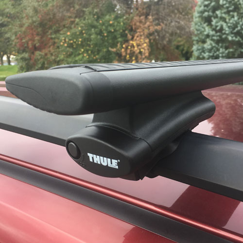 Thule Complete Rapid Crossroad 450rc Raised Railing Roof Rack with Black AeroBlade Crossbars